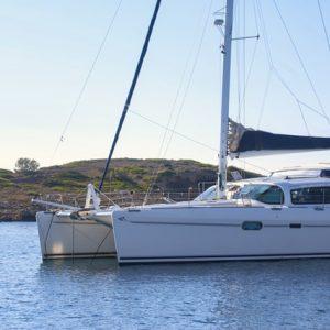 Catamaran Handling